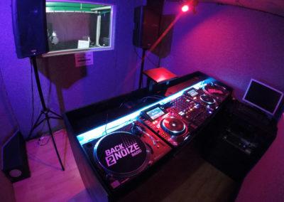 location studio back2noize radio